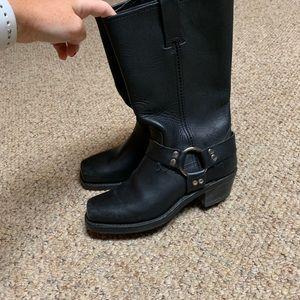 Frye boots - make me an offer 💕